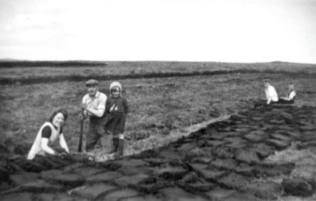 Cutting the peats