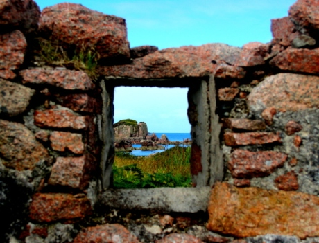 A picture window from a ruin, Kintra